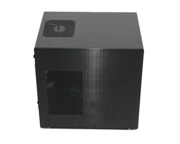 Lian Li PC-Q08 – Seitenansicht links