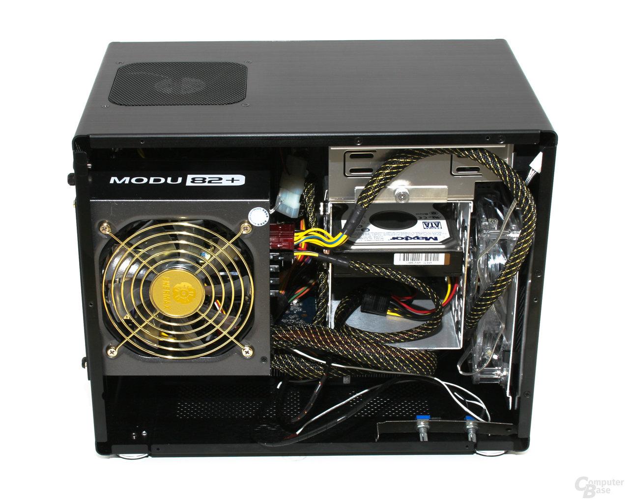 Lian Li PC-Q08 – Innansicht links mit Hardware