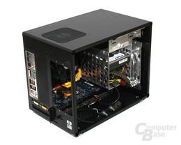 Lian Li PC-Q08 – Innenraum vorn ohne Netzteil