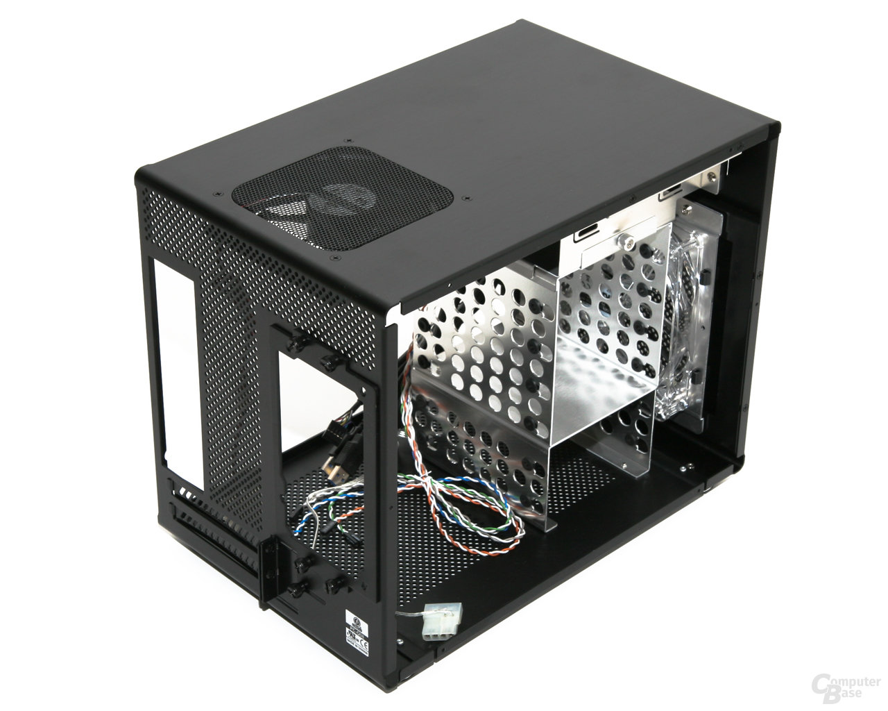 Lian Li PC-Q08 – Innenraum vorn links