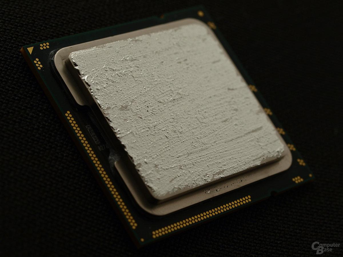 Geschlossene Schicht Liquid Ultra auf der CPU