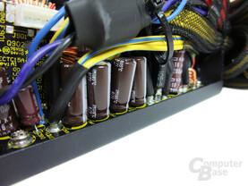 Antec TruePower New TP-650 – Glättungskondensatoren