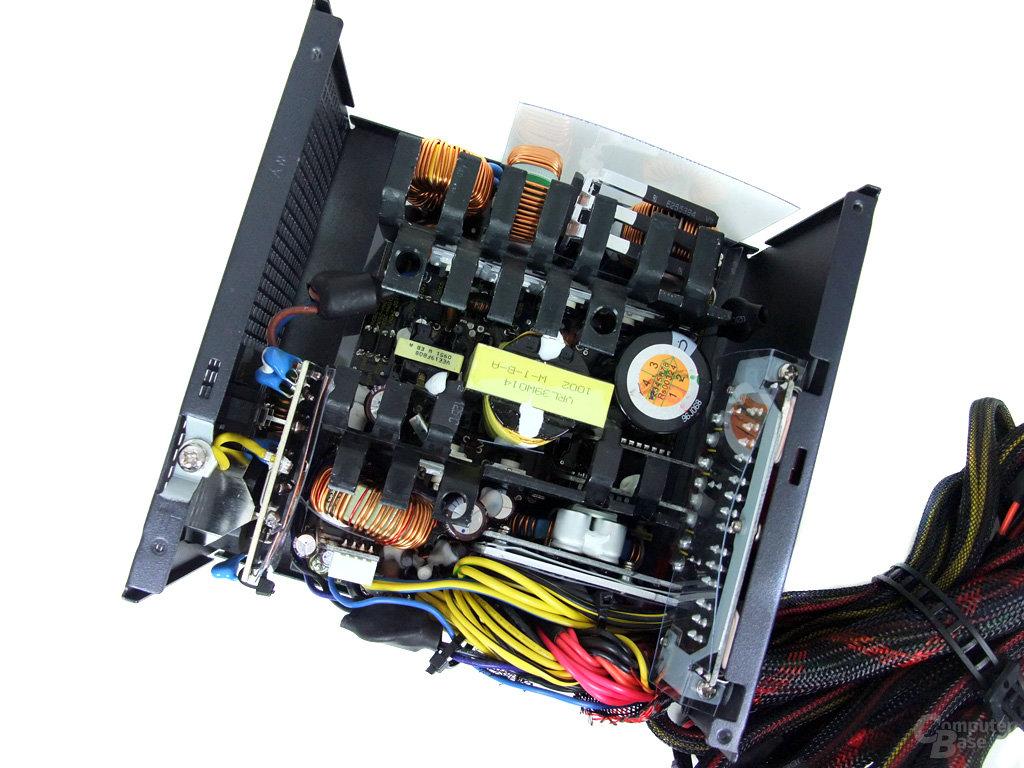 Antec TruePower New TP-650 – Innenraum
