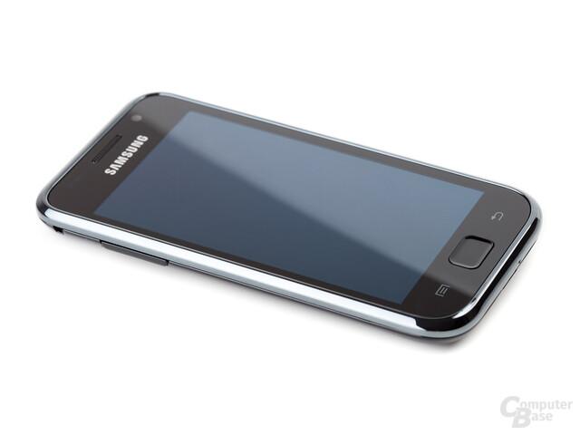 Samsung Galaxy S von schräg links, Display deaktiviert