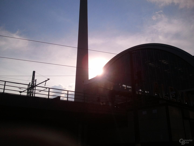 Galaxy-S-Kamera: Bahnhof Alexanderplatz