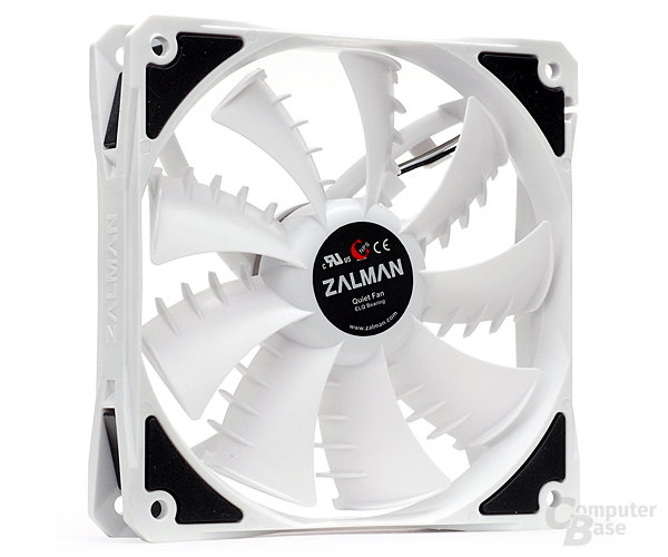 "Zalman ZM-SF3 mit ""Shark Fin Blades"""