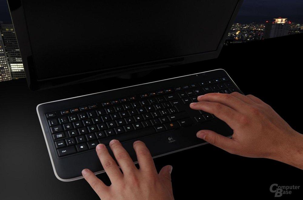 Logitech Illuminated Keyboard K800