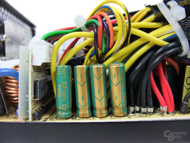 OCZ StealthXStream 2 600W – Glättungskondensatoren