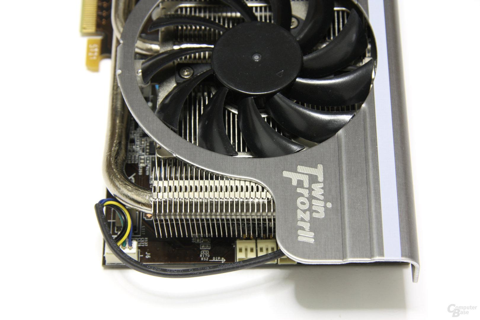GeForce GTX 460 Hawk von oben