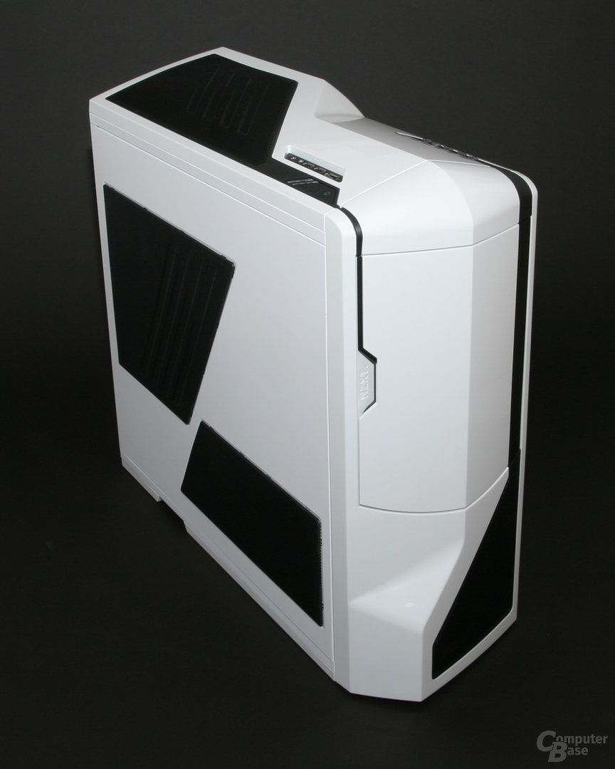 NZXT Phantom – Front links
