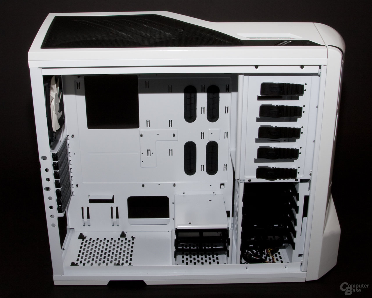 NZXT Phantom – Innenansicht links