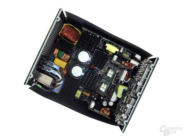 Corsair AX1200 – Innenraum