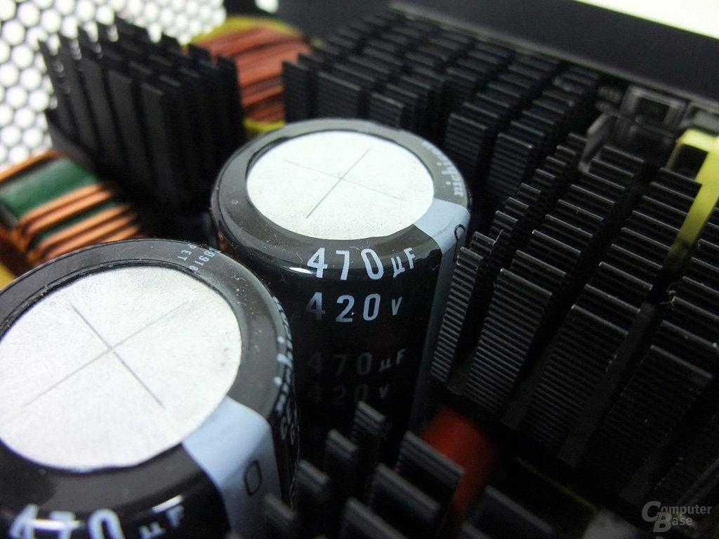 Corsair AX1200 – Primärkondensatoren