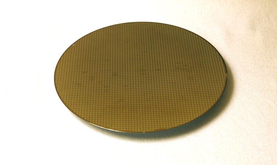 Wafer mit 32-nm-LP-HKMG-Prozessor-Dies von Samsung