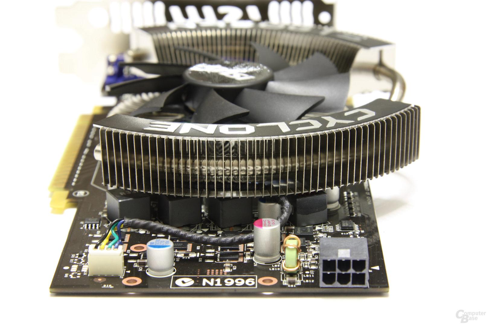 GeForce GTS 450 Cyclone OC von hinten