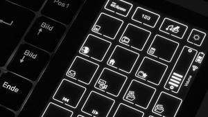 Saitek Eclipse Wireless Litetouch im Test: Edel-Tastatur mit Touchpanel