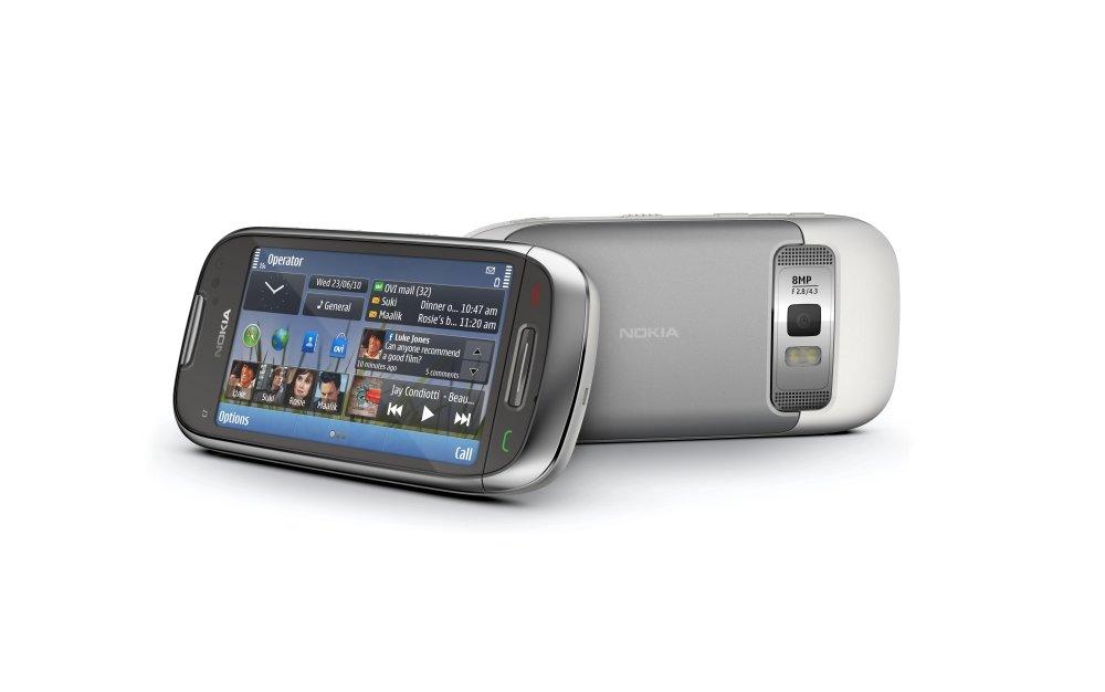 Nokia C7: Vorder- und Rückseite
