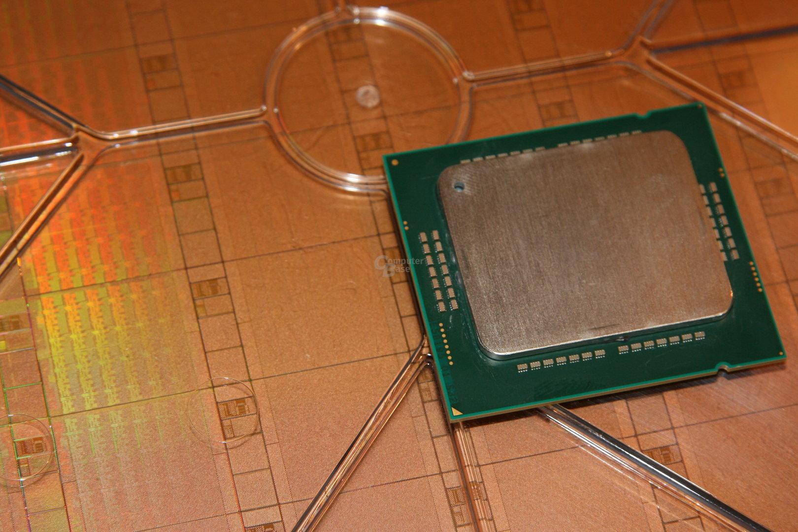 48-Kern-CPU und der passende Wafer
