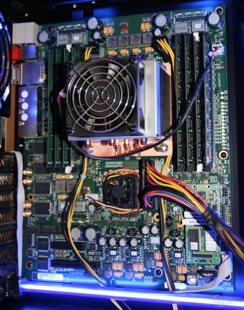 ATX-Platine mit 48-Kern-CPU