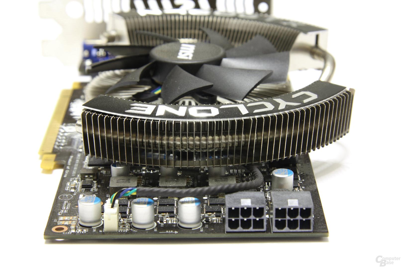 GeForce GTX 460 Cyclone OC von hinten