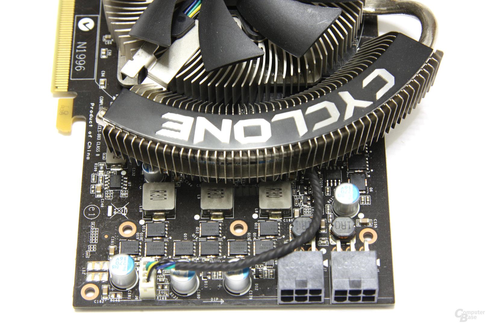 GeForce GTX 460 Cyclone OC von oben