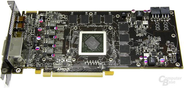 Radeon HD 6870 Rückseite ohne Kühler
