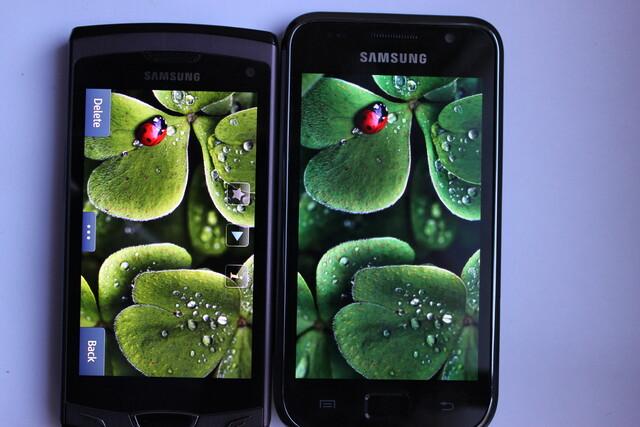 Samsung Wave II (Super Clear LCD) – Samsung Galaxy S (Super AMOLED)