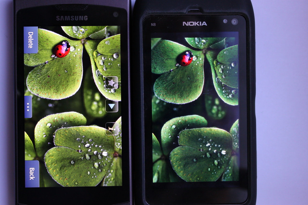 Samsung Wave II (Super Clear LCD) – Nokia N8 (AMOLED)