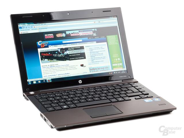 HP ProBook 5320m, geöffnet und eingeschaltet