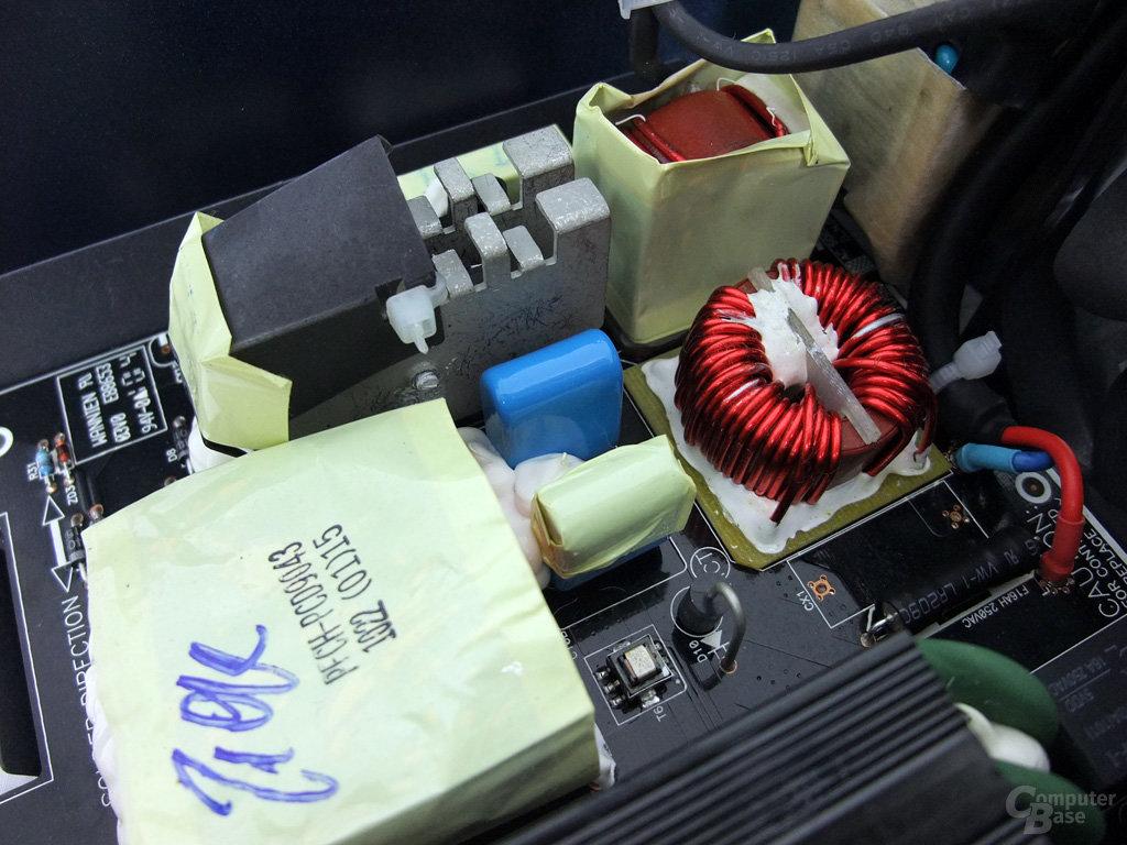 Antec High Current Pro 1200W – Netzfilterung