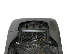 Corsair Graphite 600T – Druckmechanismus im Deckel