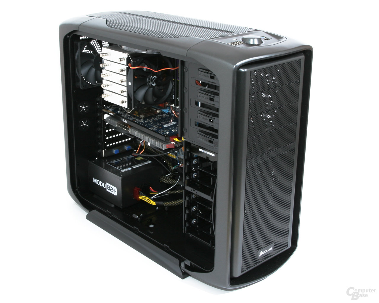 Corsair Graphite 600T – Innenraum mit Hardware links