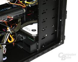 Antec Dark Fleet DF-35 – Installierte Festplatte im Hot-Swap-Modul