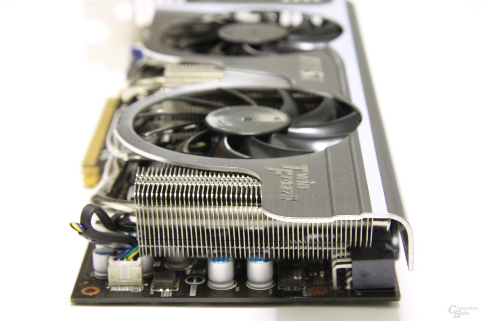 GeForce GTX 470 Twin Frozr II von hinten