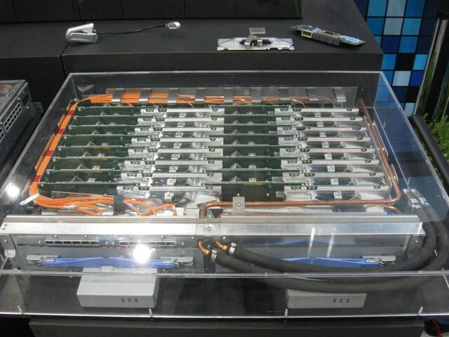 Ein Knoten mit 32 BlueGene/Q-Prozessoren
