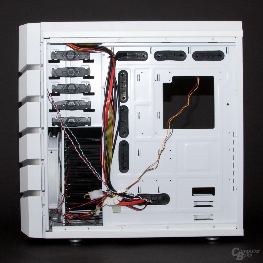 BitFenix Colossus – Innenansicht rechts