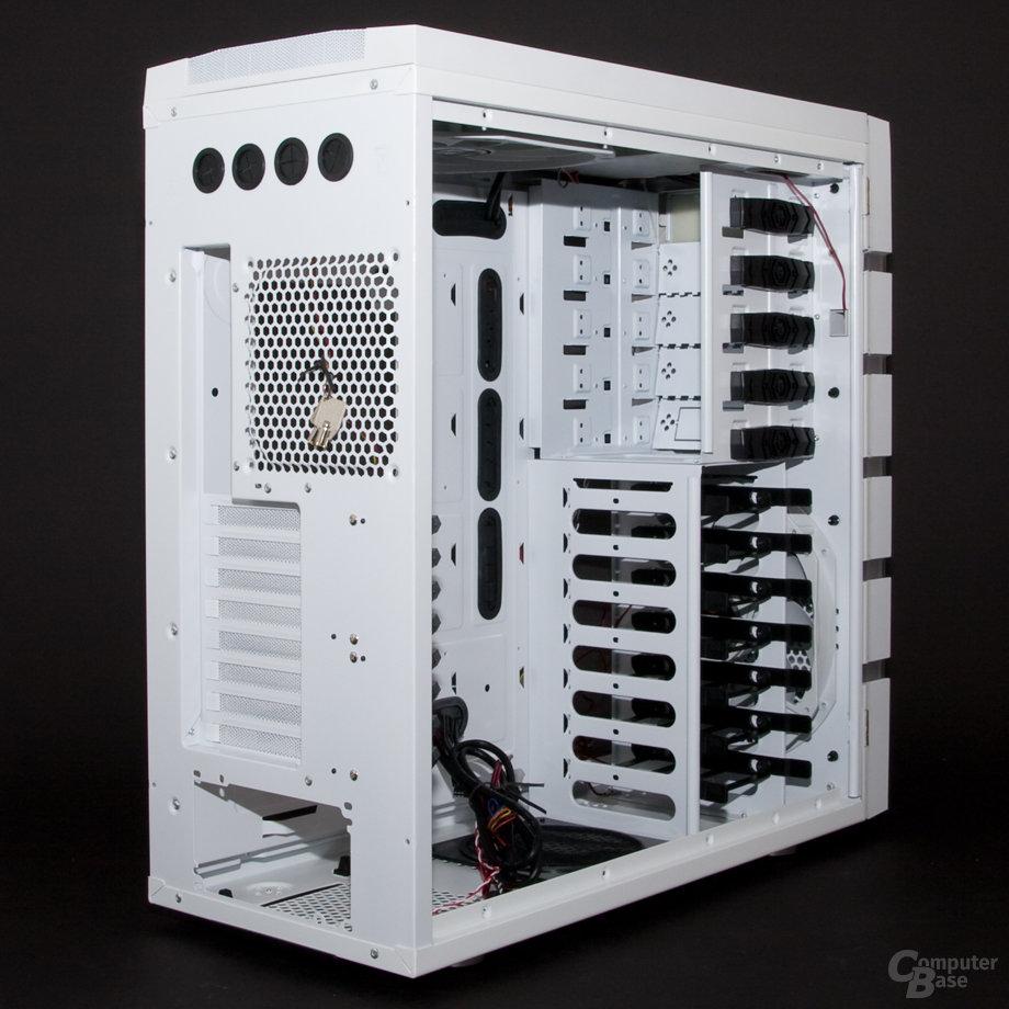 BitFenix Colossus – Innenansicht Rückseite links