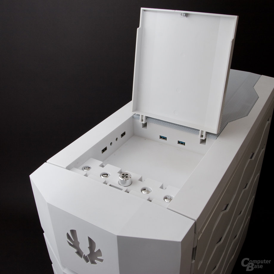 BitFenix Colossus – Port-Kit