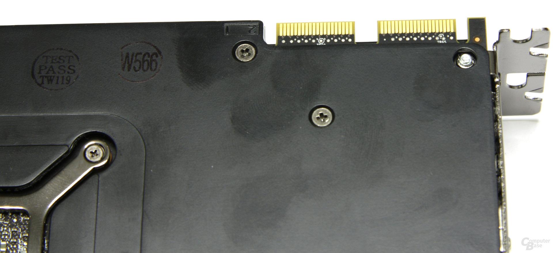Radeon HD 6950 CF-Anschlüsse