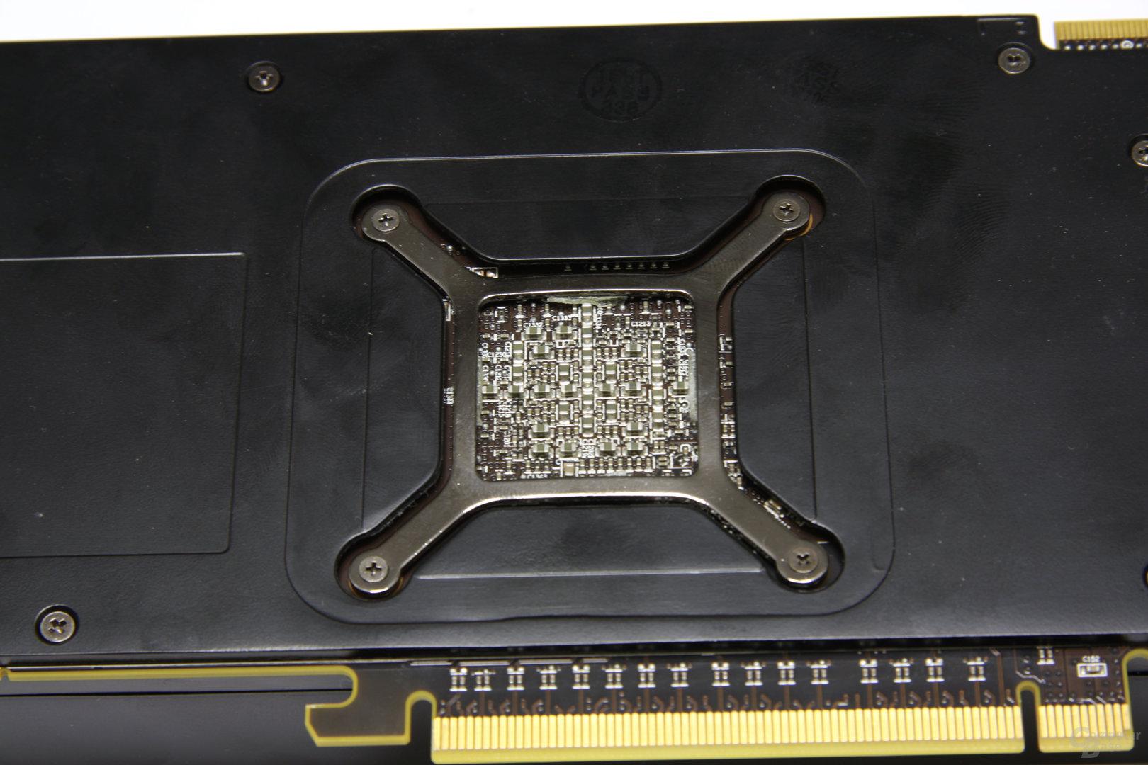 Radeon HD 6970 Chiprückseite