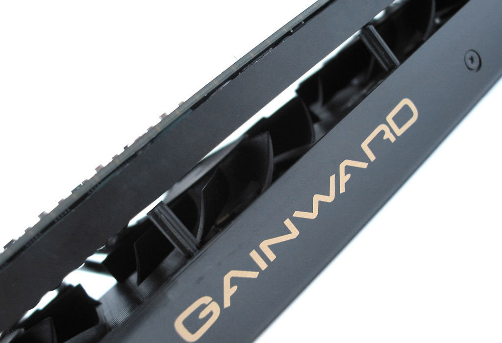 Gainward GeForce GTX 570 Phantom | Quelle: overclockers.com.au