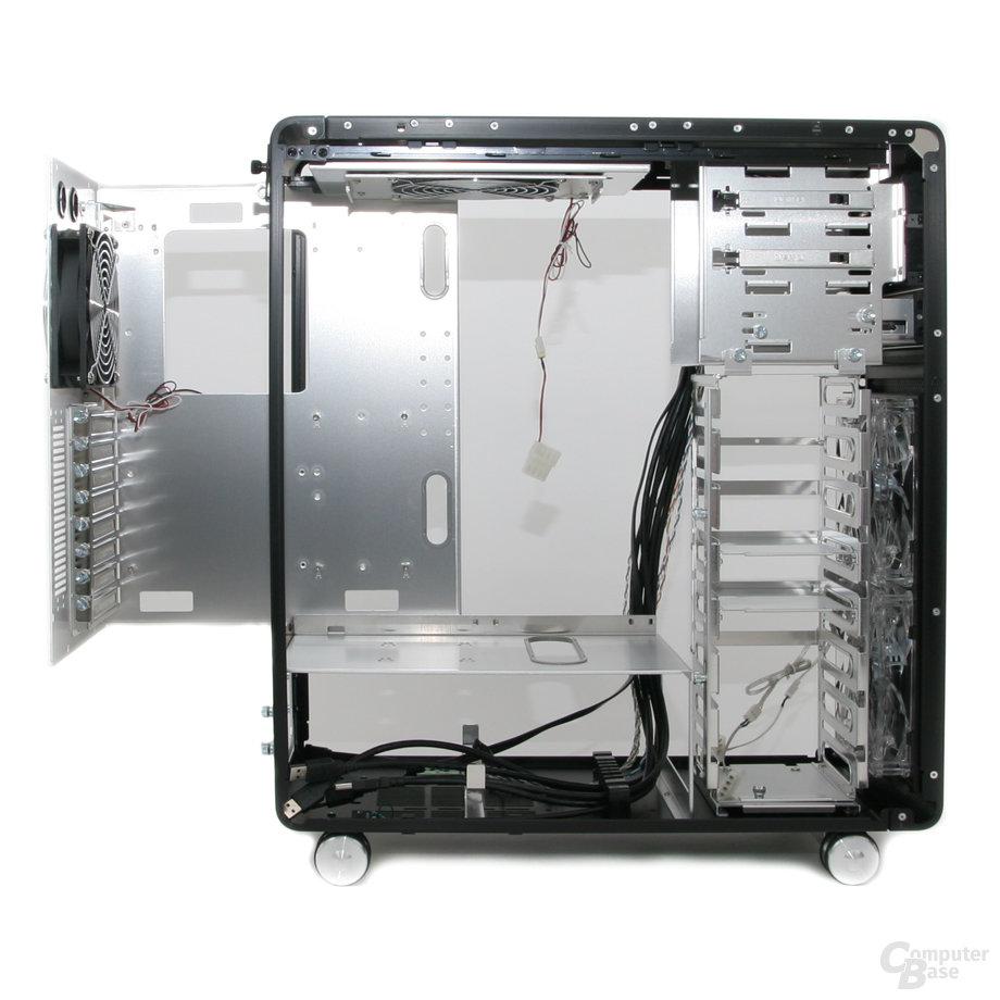 Lian Li PC-V1020B – Innenraum links
