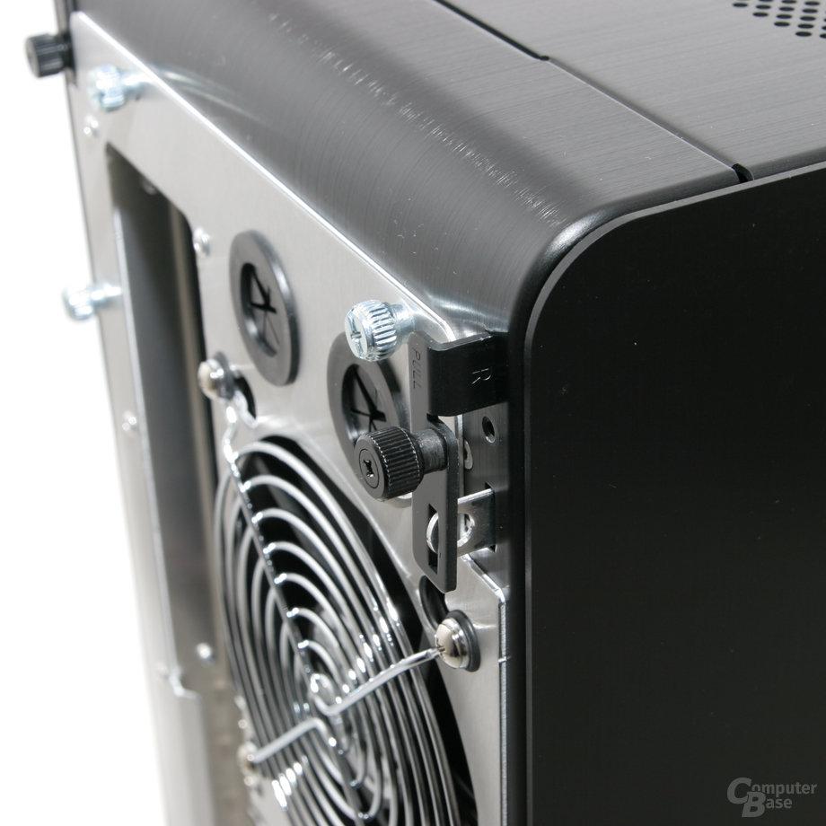 Lian Li PC-V1020B – Verriegelung Seitenwand
