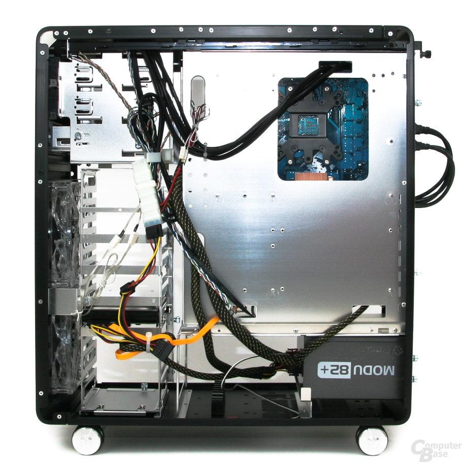 Lian Li PC-V1020B – Innenraum rechts mit Hardware