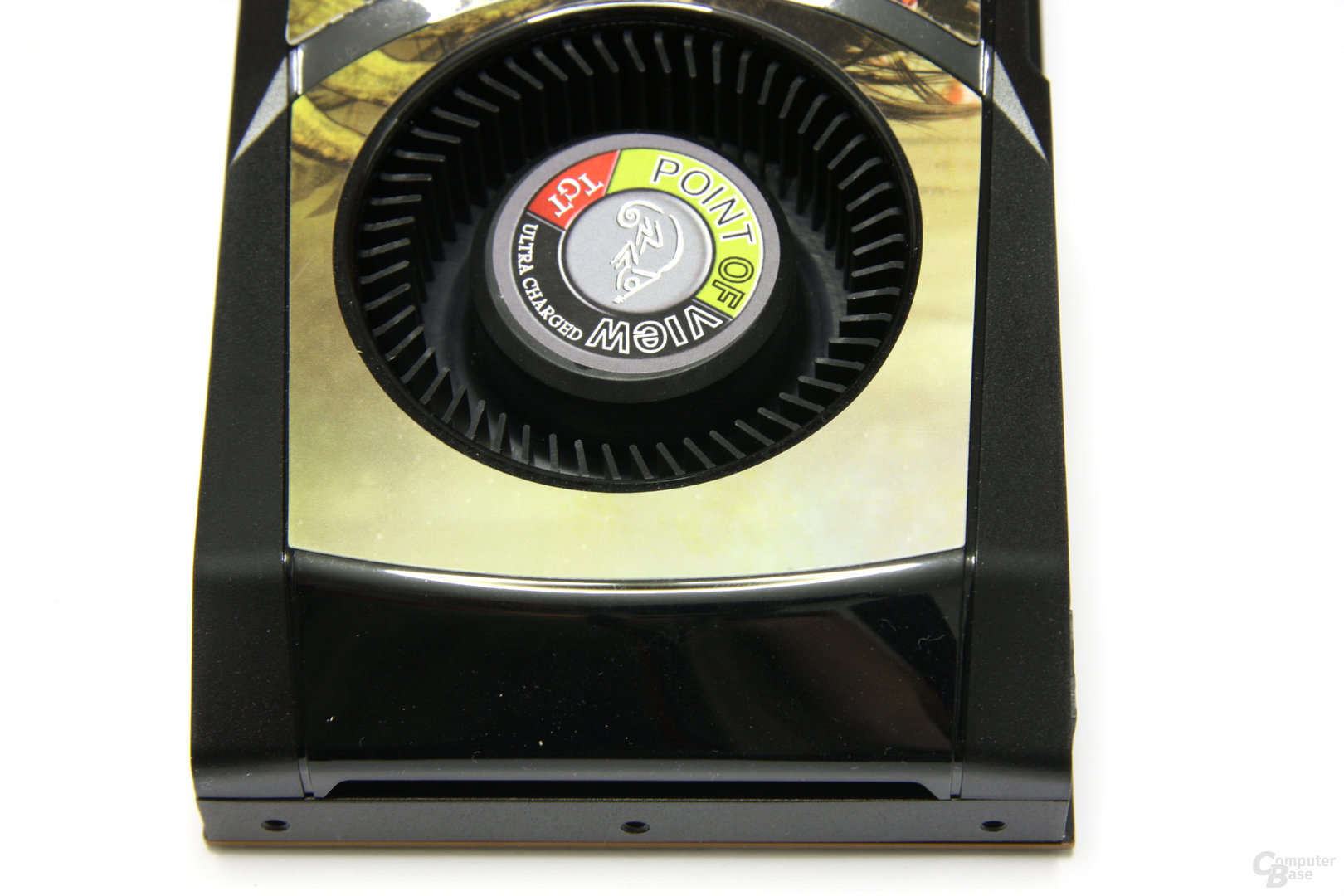 GeForce GTX 580 Ultra Charged von oben