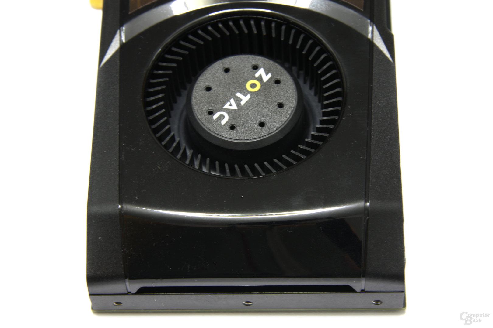 GeForce GTX 580 AMP! von oben