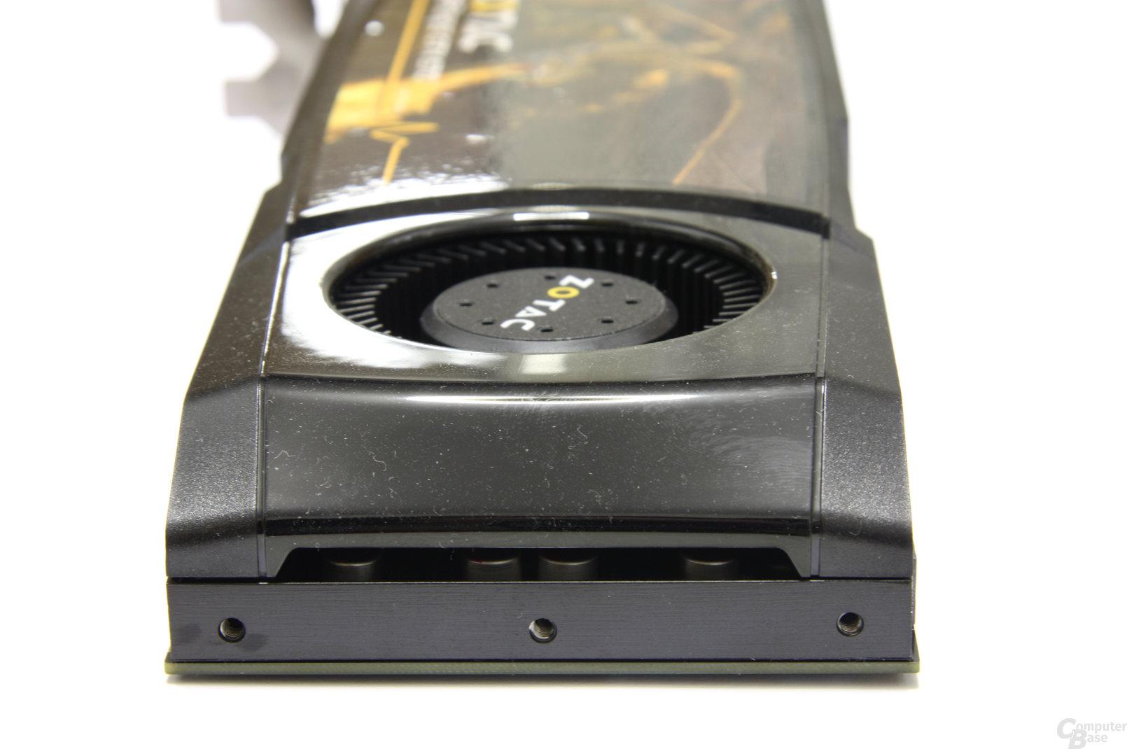 GeForce GTX 570 AMP! von hinten