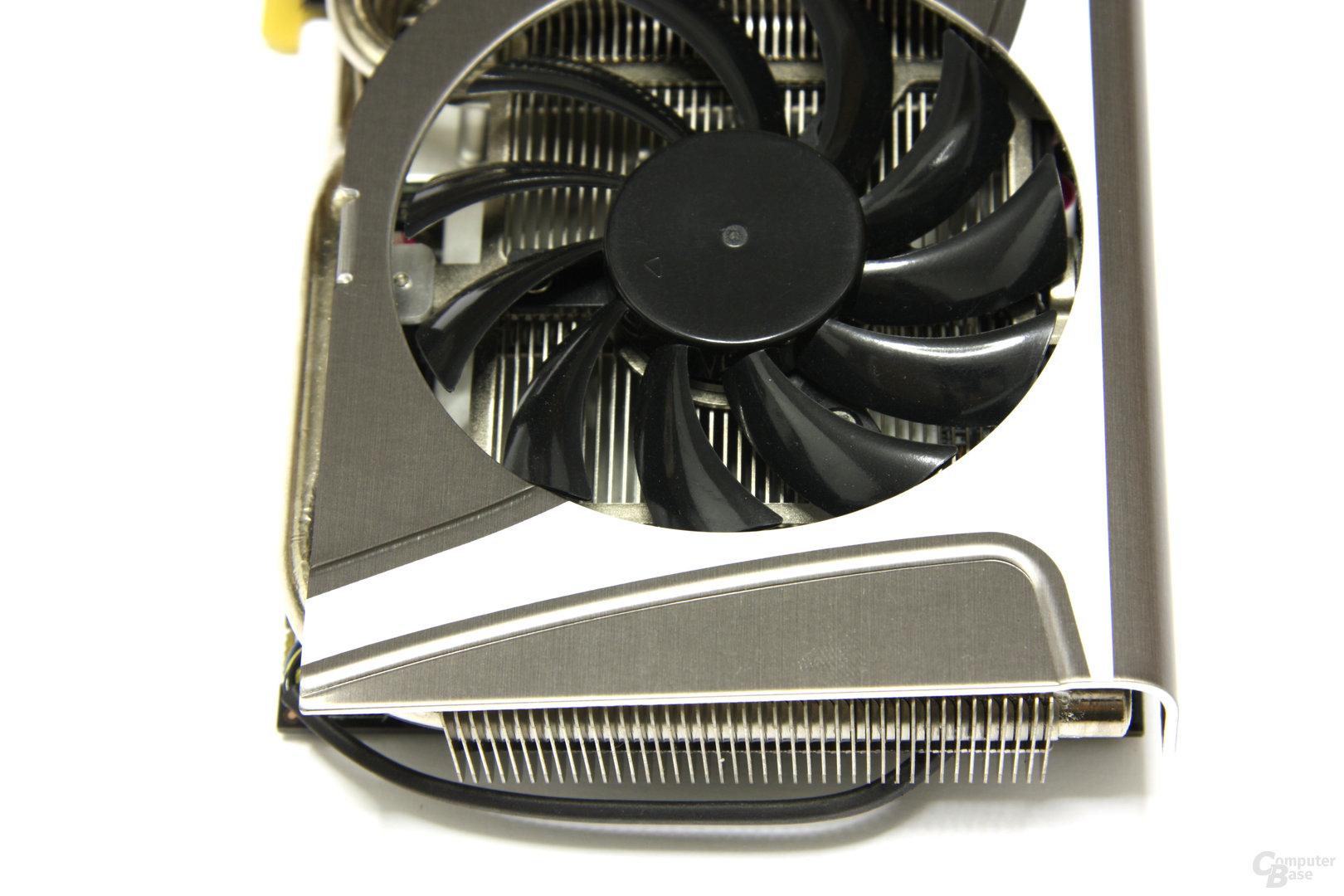 Radeon HD 6870 Twin Frozr II von oben