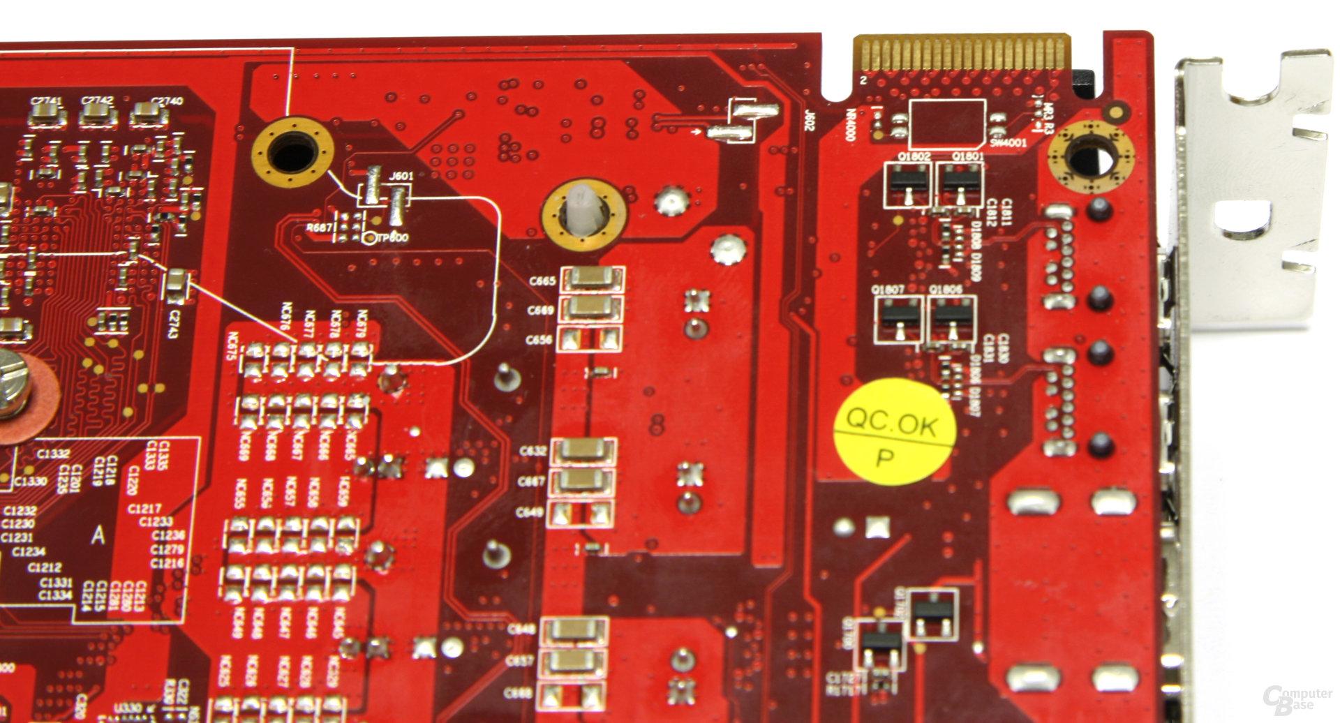Radeon HD 6870 PCS+ CF-Anschluss