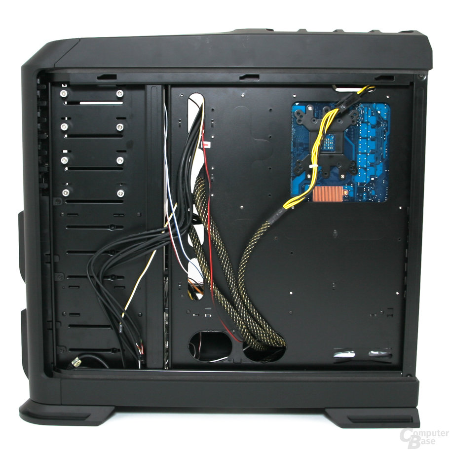 Zalman GS1200 – Innenraum mit Hardware